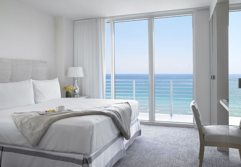 Grand Beach Hotel Miami Beach. Renovated Oceanfront Suite View.