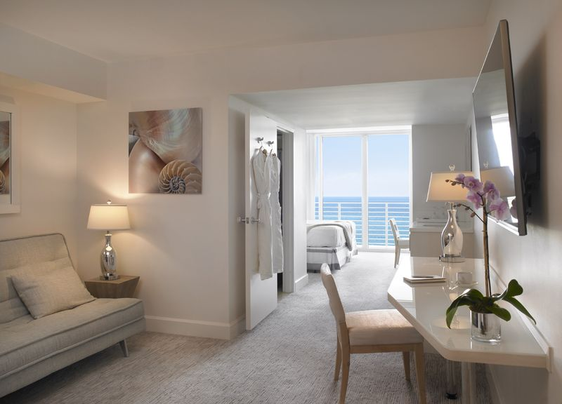 Grand Beach Hotel Miami Beach. Renovated guest rooms overall view 1