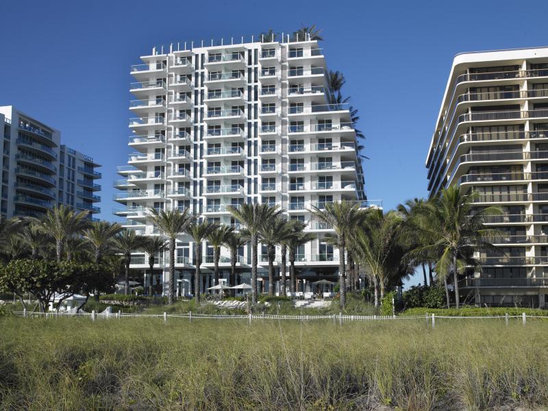 Grand Beach Hotel Surfside Facade