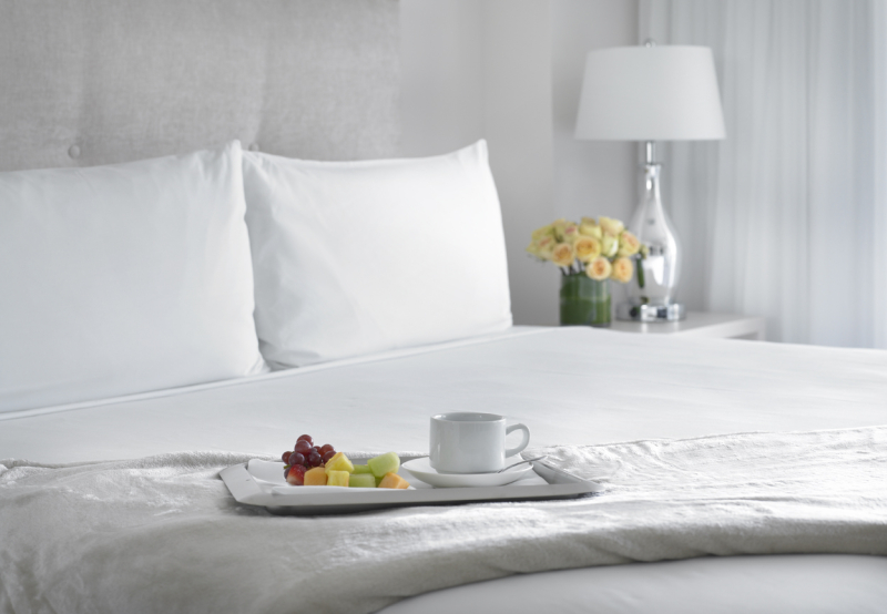 Grand Beach Hotel Miami. Guest Suites. Bed.