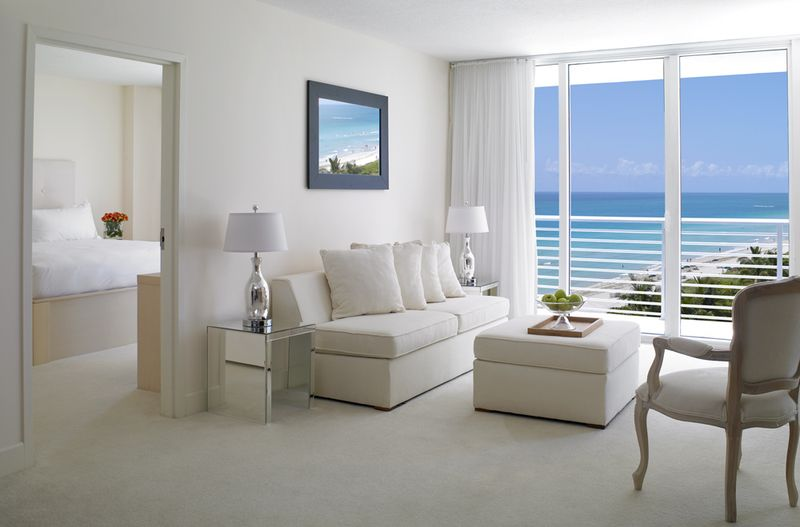 Grand Beach Hotel Miami Beach .1-Bedroom Suite. Facebook Discount