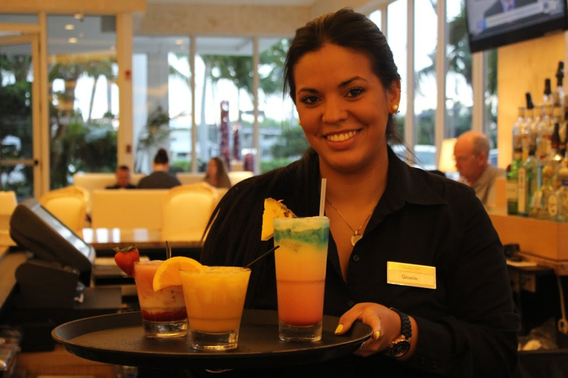 Grand Beach Hotel Miami. Lobby Bar Happy Hour