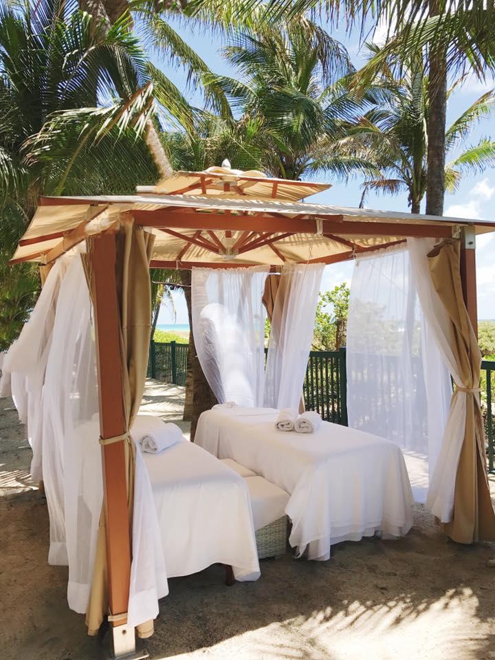 Grand Beach Hotel Miami. Poolside Massages