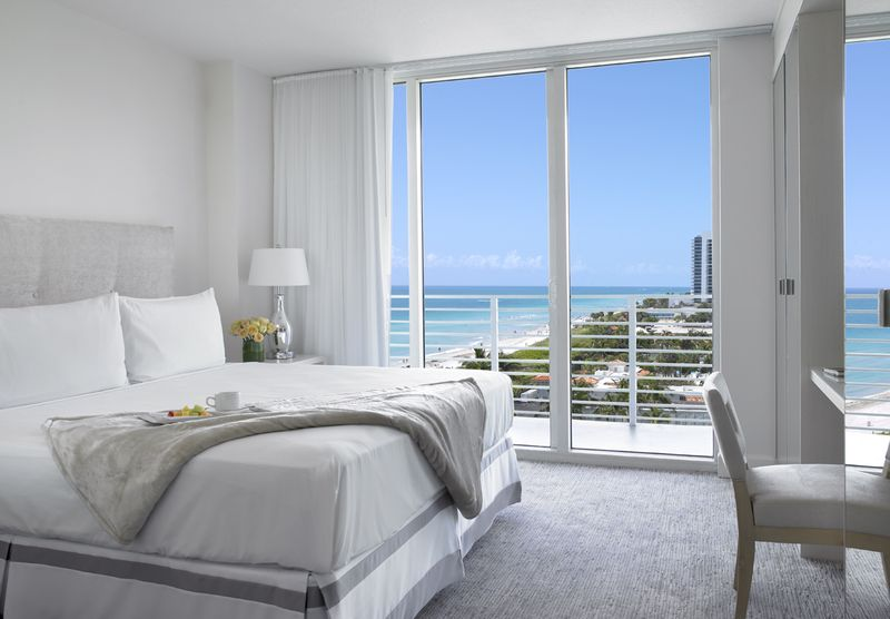 Grand Beach Hotel Miami. Renovated partial ocean view suite