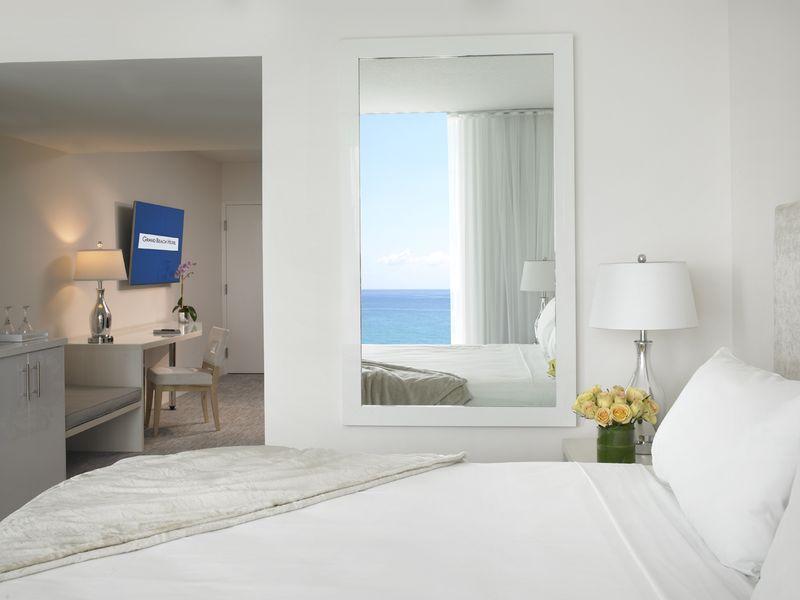 Grand Beach Hotel Miami. newly renovated room towards door