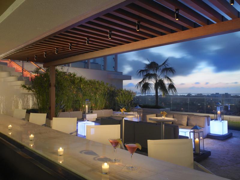 Grand Beach Hotel Surfside. Sky Bar at Night